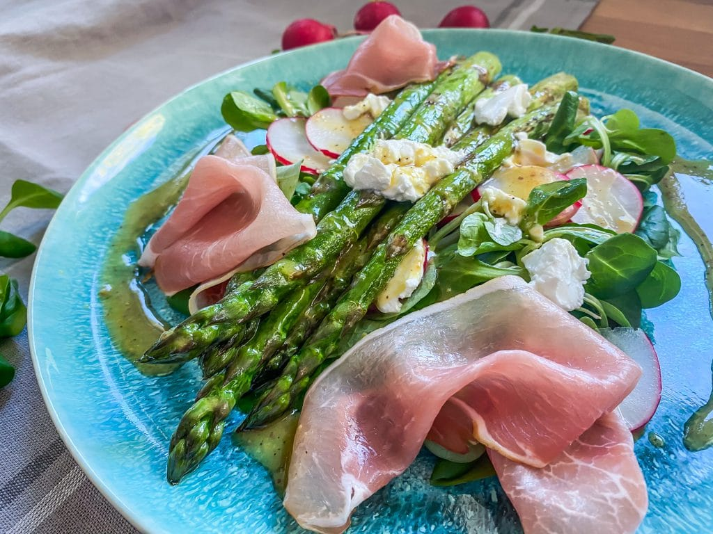 Feldsalat mit Spargel